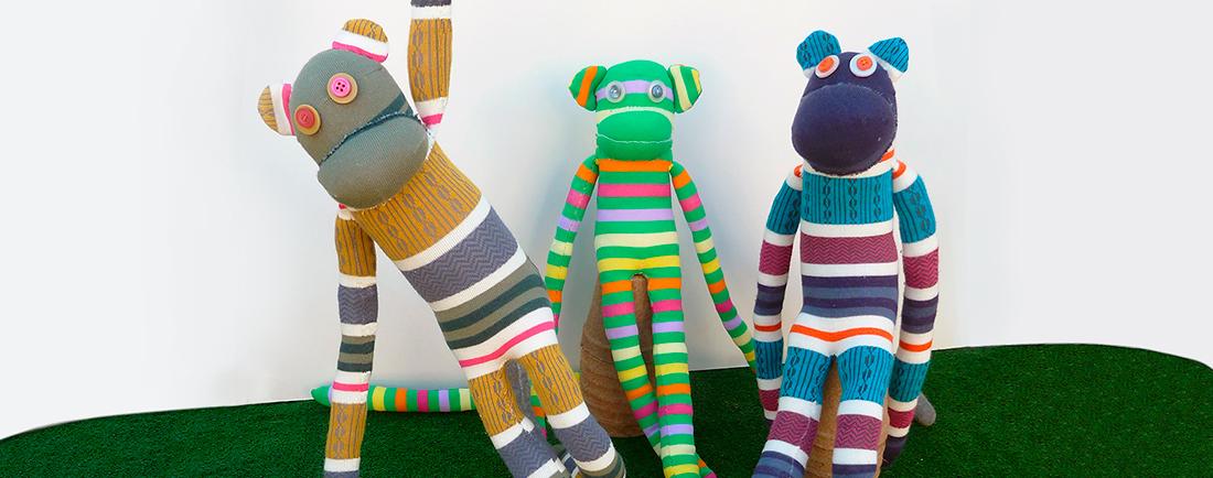 Espai reciclatge creatiu: amb mitjons desaparellats podeu fabricar un mico!!